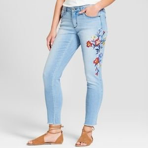 Universal Thread Floral Embroidered Raw Hem Jeans